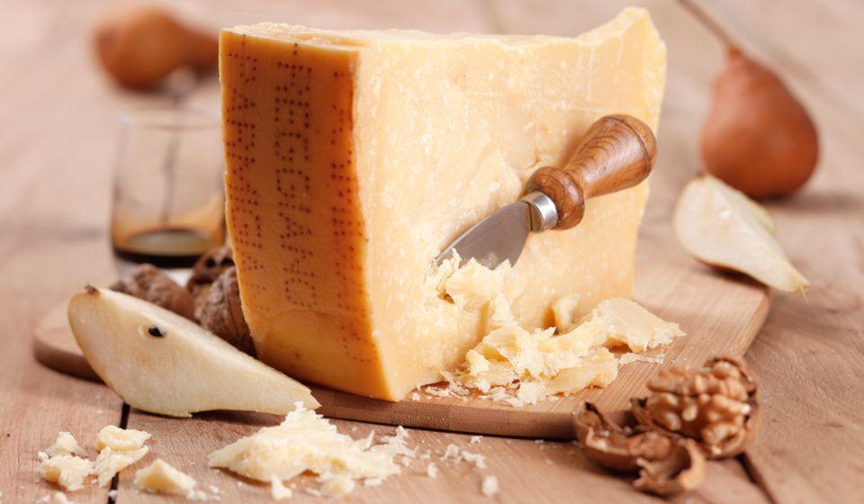 cheeses_parmigiano_reggiano_02